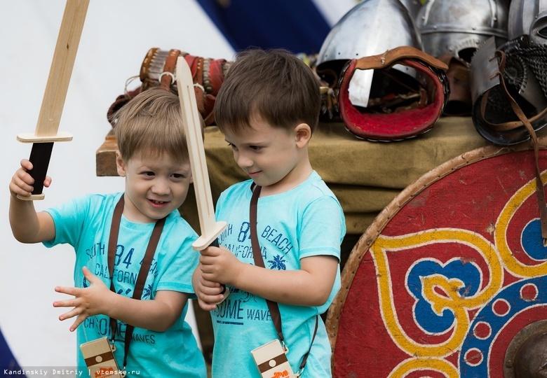 Томичи смогут подраться на игрушечных мечах на фестивале «Семилуженское поле»
