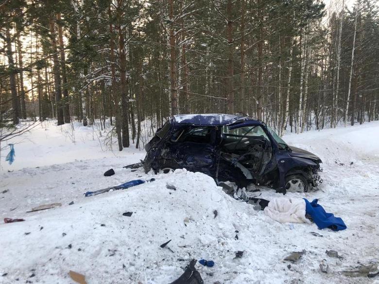 Один погиб и трое пострадали в ДТП на трассе в Томской области
