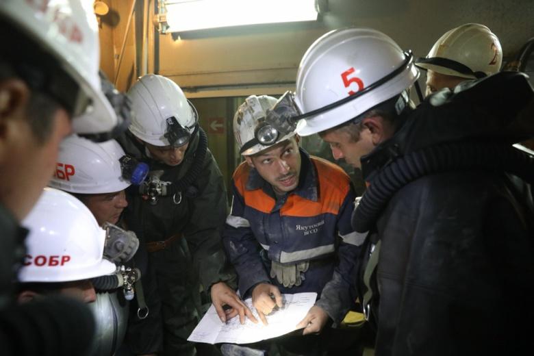 """Ситуация на руднике """"Мир"""", где ищут 8 горняков, ухудшается"""