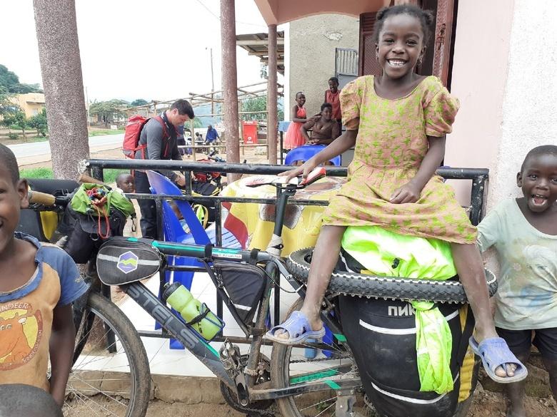 Жуткая Эфиопия, малярия и уроки рисования: томич рассказал о велопутешествии по Африке