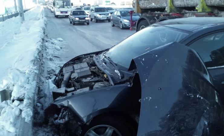 Четыре автомобиля столкнулись на Балтийской в Томске