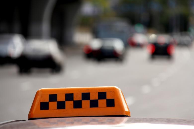 Приступ эпилепсии возник у водителя такси в Томске, когда он вез пассажира