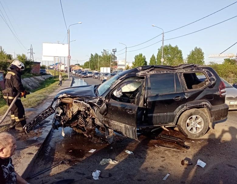 Два человека пострадали при столкновении авто в Томске