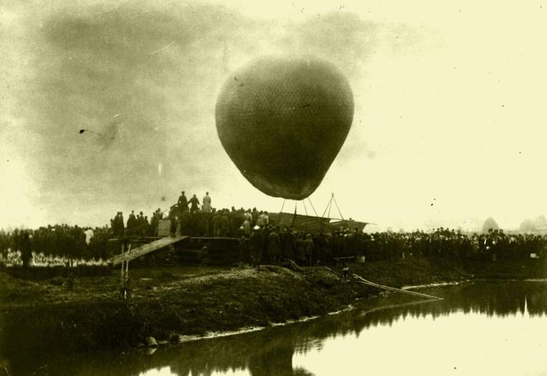 Воздушный шар «Русский», на котором совершил полет в 1887 году Дмитрий Менделеев