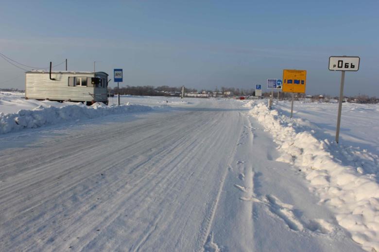 На нескольких ледовых переправах в Томской области снизили тоннаж