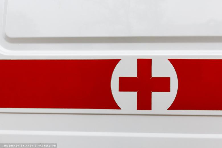 Начинающий водитель Lada на летней резине врезался в столб в центре Томска