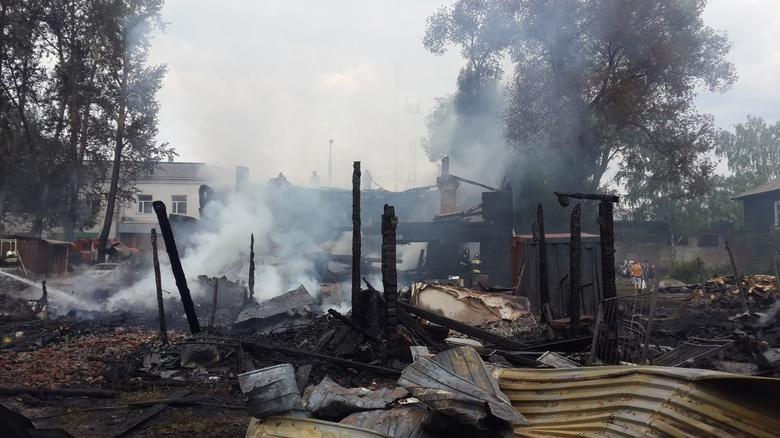 Часть семей из сгоревшего дома на Шегарском в Томске переедет в маневренное жилье