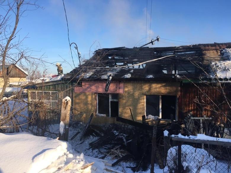 Власти окажут матпомощь семье в Томском районе, у которой погиб ребенок и сгорел дом