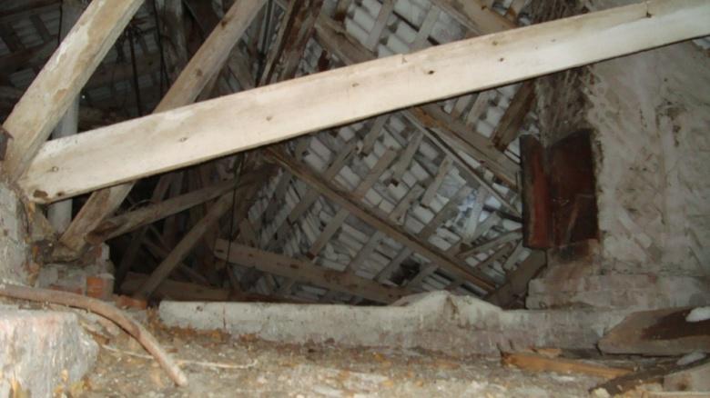 Власти: крыша школы в Богашево уже обрушалась 10 лет назад в том же месте