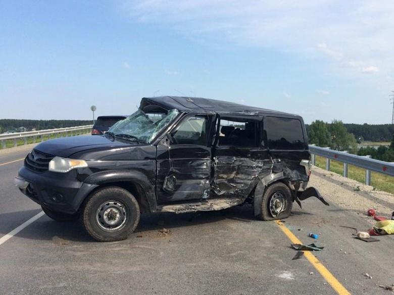 УАЗ «Патриот» перевернулся от столкновения с иномаркой на трассе в Томской области