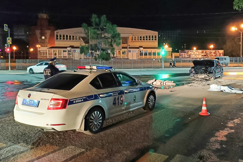 Мотоциклист погиб, врезавшись в Volkswagen на перекрестке в Томске