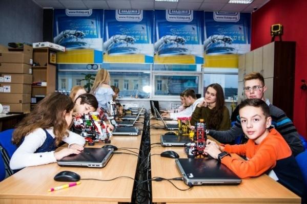 За детьми будущее цифровизации: в IT-академии совсем скоро стартует осенний поток