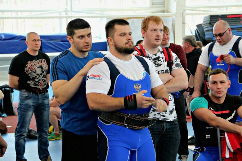 Томский пауэрлифтер стал вторым на чемпионате России