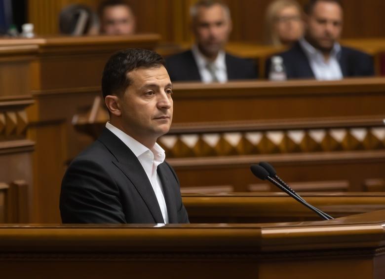 Зеленский отказался увольнять премьера Украины Гончарука