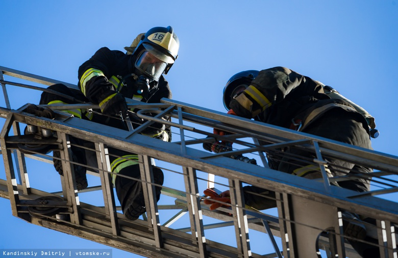 Томские пожарные спасли почти 400 человек в 2018г