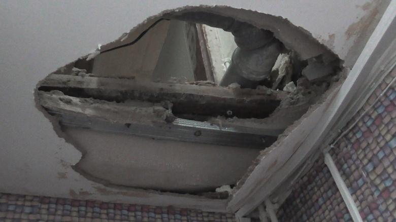 УК: наших сотрудников не пускают в дом на Нечевского, где рухнул потолок