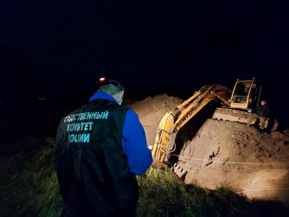 Мужчину насмерть засыпало грунтом в Томске