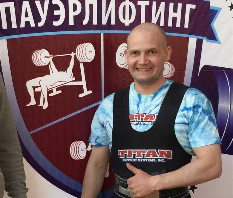 Томич завоевал бронзу на чемпионате России по жиму лежа