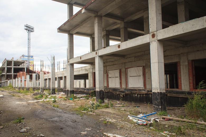 Мэр: по недостроенной трибуне на стадионе «Труд» снова начались суды
