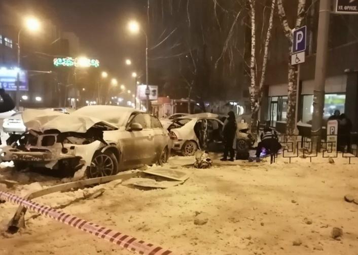 Смертельное ДТП на Фрунзе — Комсомольском попало на видео