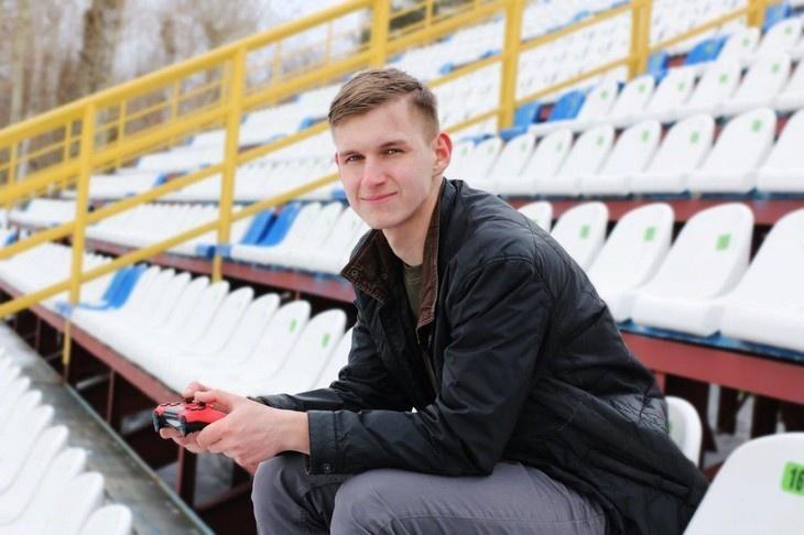 ФК «Томь» первым в Сибири заключил контракт с киберфутболистом