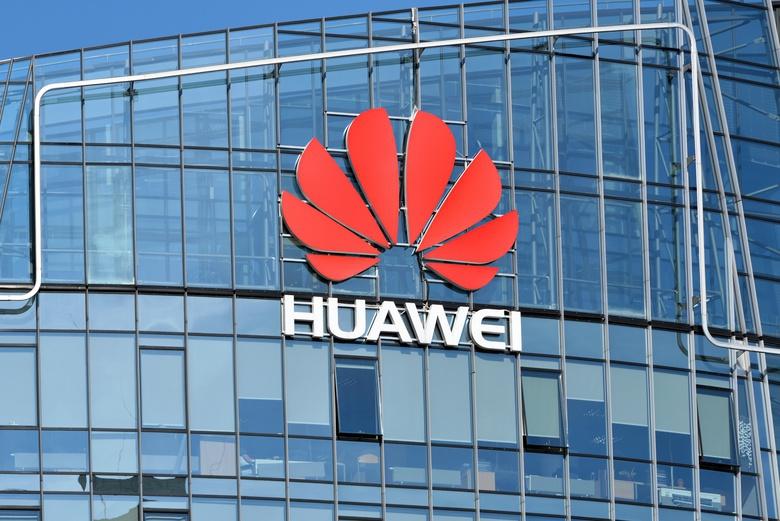 Смартфоны Huawei Mate X и P30 Pro исчезли с сайта android.com