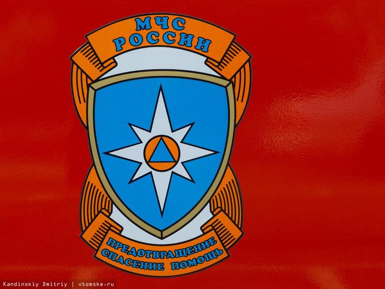 Автосервис пострадал в результате крупного пожара в Томске