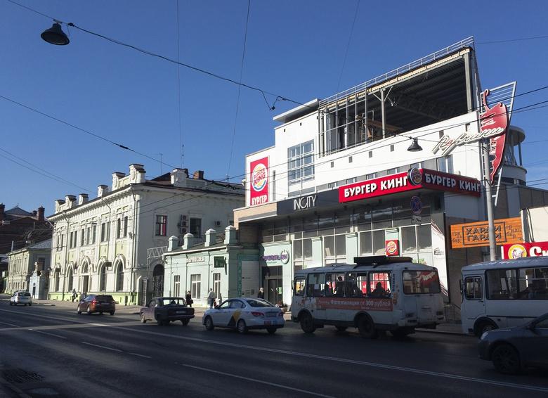 Мэрия пока не подала иск с требованием снести надстройку томского торгового центра