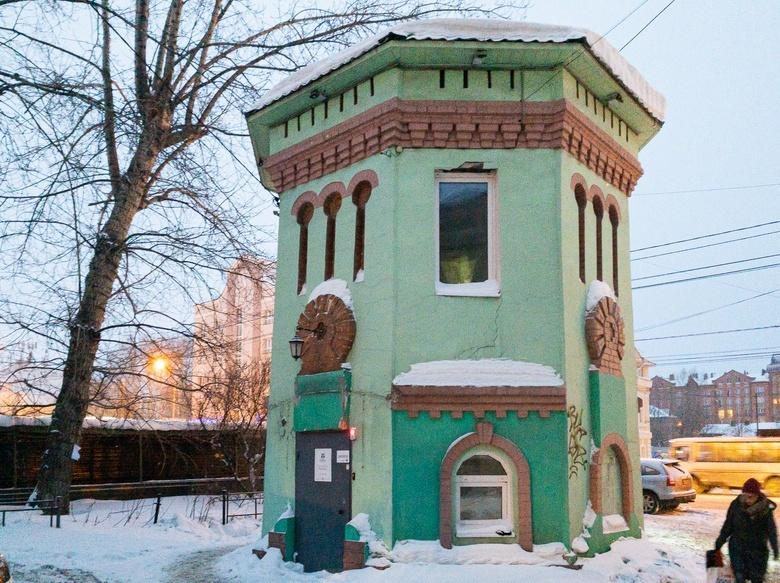 Водоразборная торговая будка на проспекте Ленина
