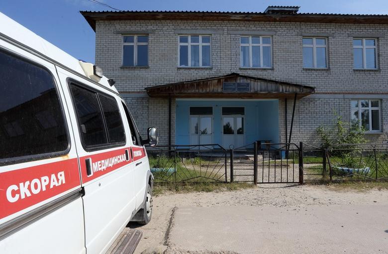 Губернатор поручил отремонтировать амбулаторию в селе Каргасокского района