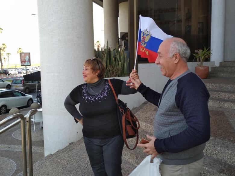 Записки наблюдателя: уехали из РФ, но голосуют за Путина