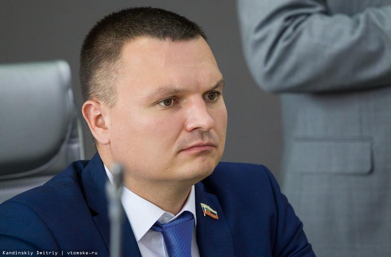 Помощница депутата гордумы обвинила экс-спикера Панова в нанесении синяков