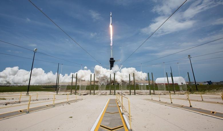 «Батут работает»: Маск ответил на шутку Рогозина после отправки астронавтов на МКС
