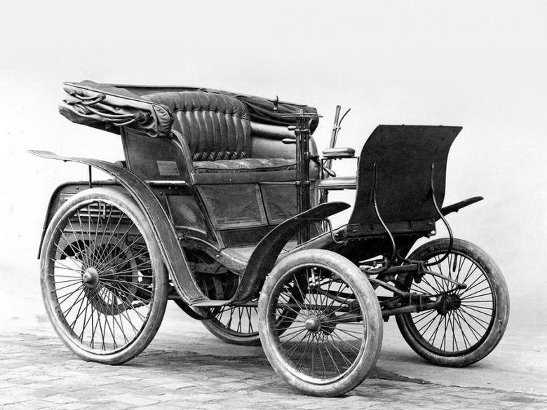 Benz Velo 1894 года — первый автомобиль в России