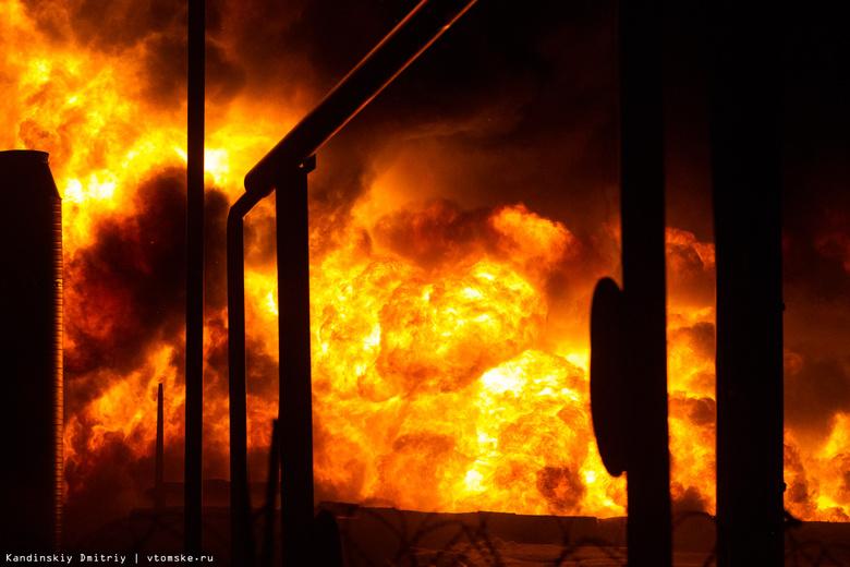Три магазина сгорели ночью в одном из сел Томской области