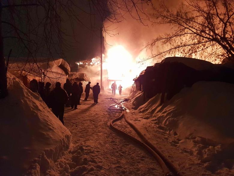 Томичей просят помочь собрать вещи для жильцов сгоревшего дома на Ново-Киевской