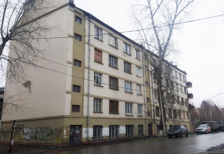 ТГУ планирует начать капремонт ветхого общежития на Никитина осенью