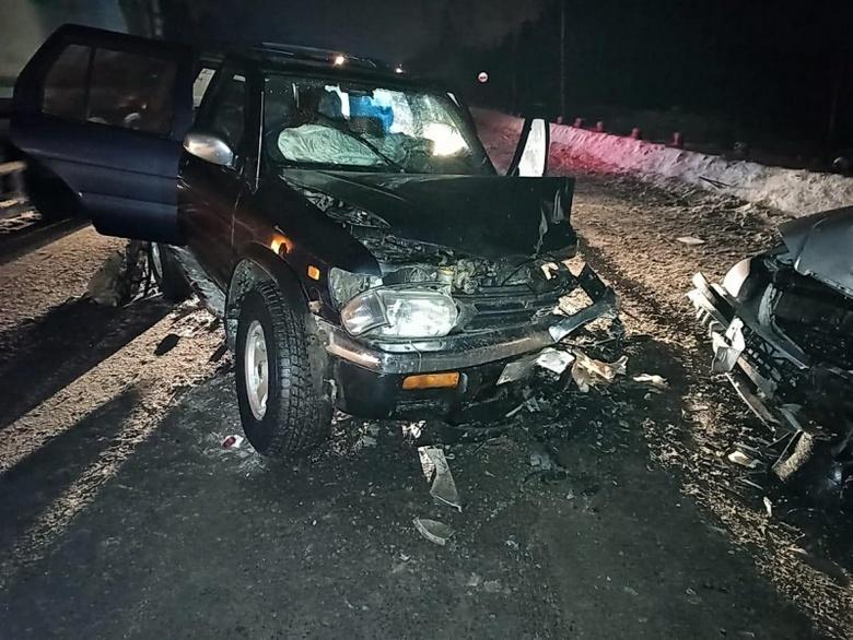 Двое попали в больницу после столкновения 3 машин в Томске