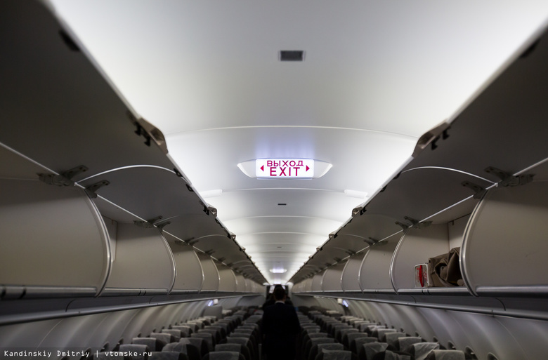 Самолет, летевший в Томск, сел в Толмачево из-за сломанного туалета