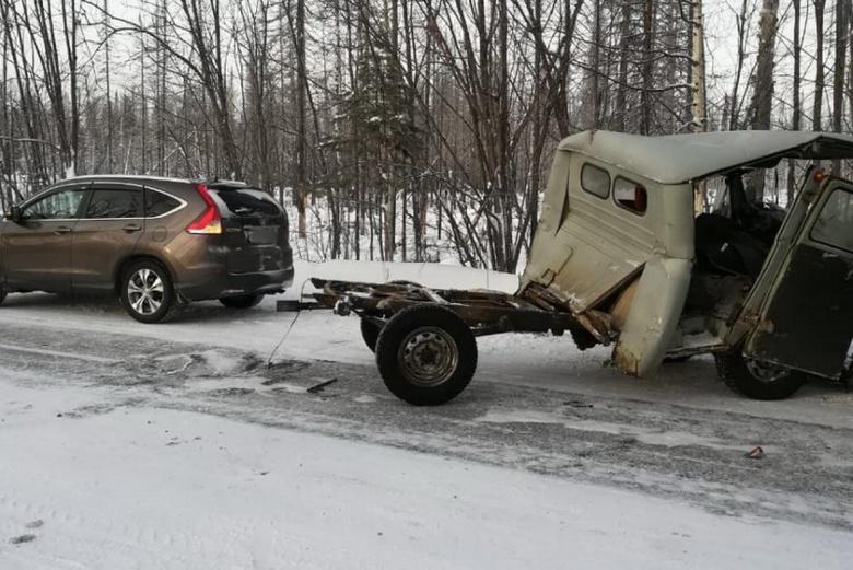 УАЗ и Toyota столкнулись на севере Томской области, четверо получили травмы