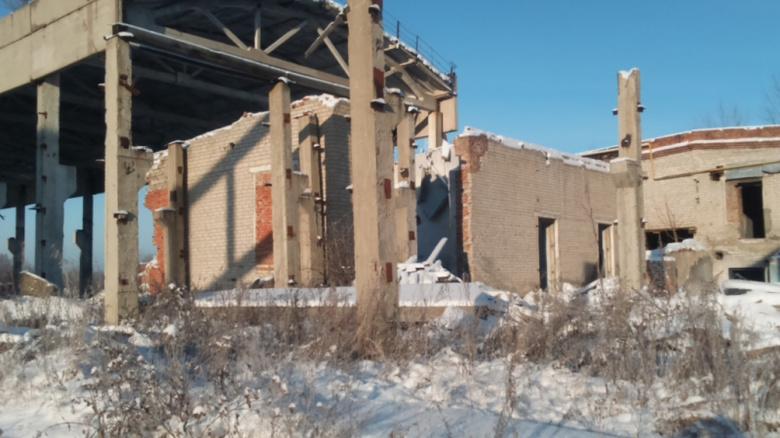 Житель Томской области разобрал здание, чтобы украсть кирпичи