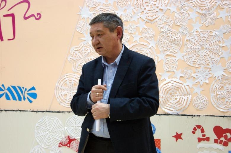 Родители учеников и учителя школы в Кисловке просят сменить директора