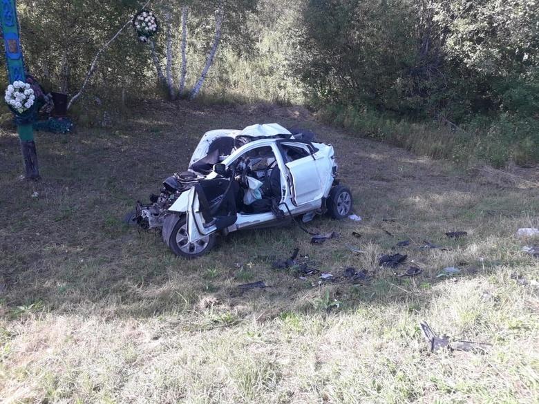 Водитель Hyundai погиб в лобовом ДТП на трассе в Томской области