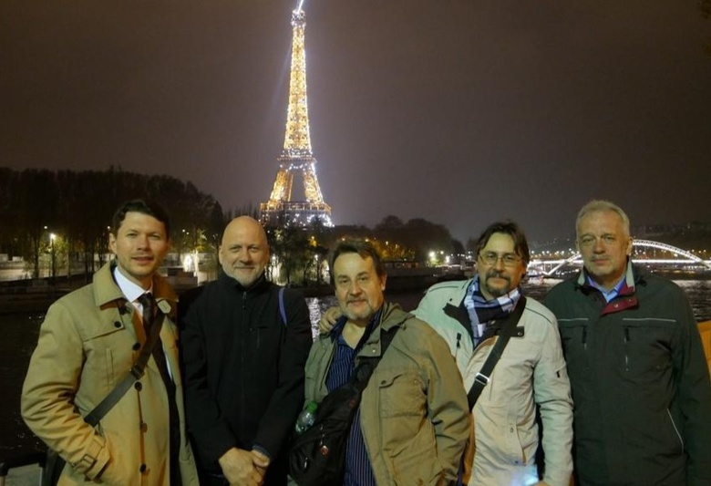 Томские барды дали концерт в столице Франции
