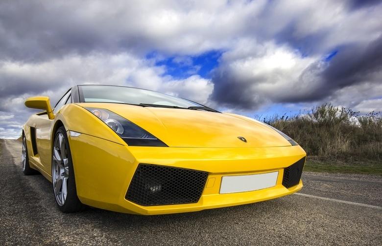 Двое жителей Томска купили себе по Lamborghini в 2019г