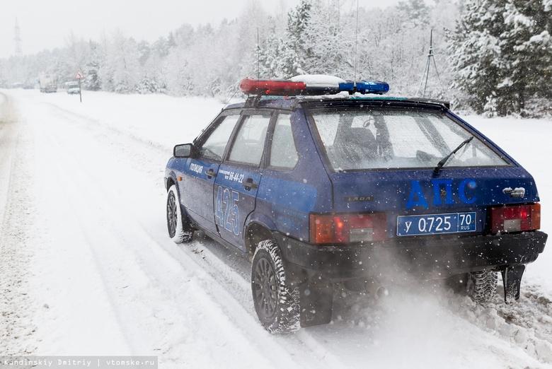 Пьяный водитель иномарки врезался в пассажирский поезд в Томской области