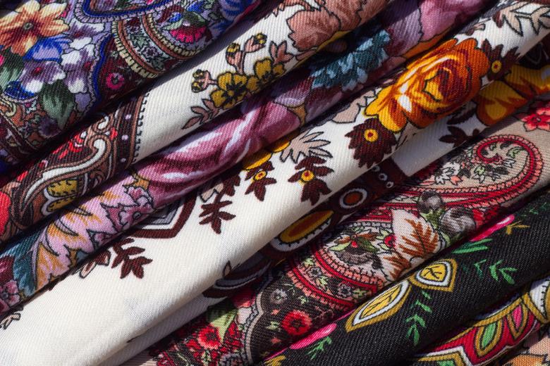Томичкам на бесплатном мастер-классе покажут, как женщины в старину носили платки