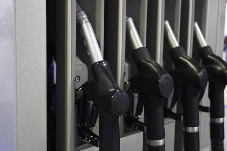 В России резко обрушились оптовые цены на бензин