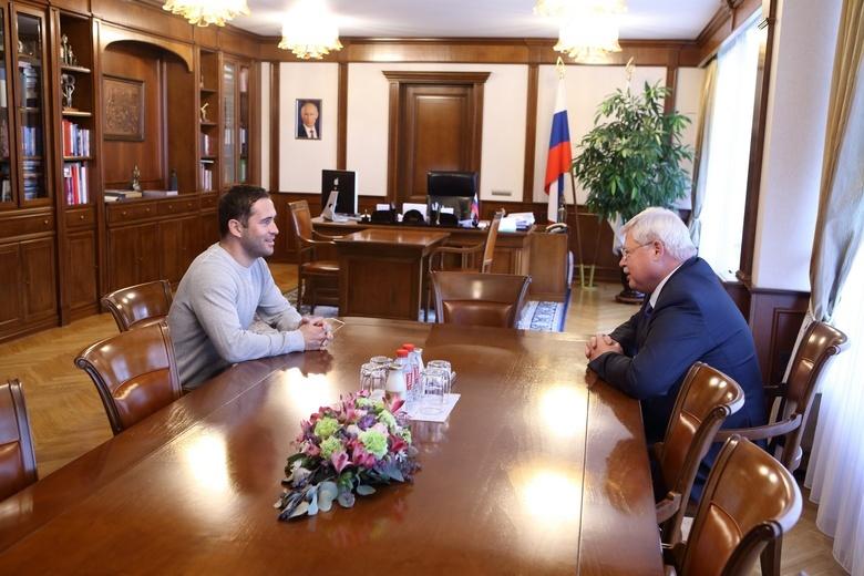 Жвачкин и Кержаков обсудили задачи занимающей последнее место в ФНЛ «Томи»