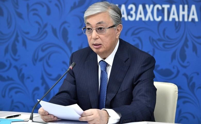 Президент Казахстана призвал готовиться к худшему из-за COVID-19